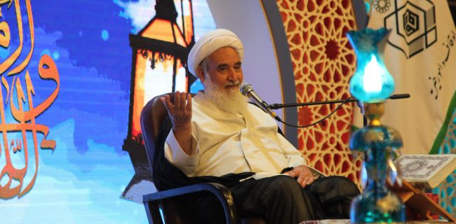 جامعه قرآنی سعادتمند است